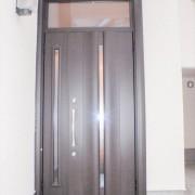 玄関ドア改装後