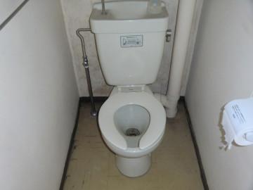 トイレ_リフォーム前