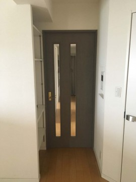 door_before_002