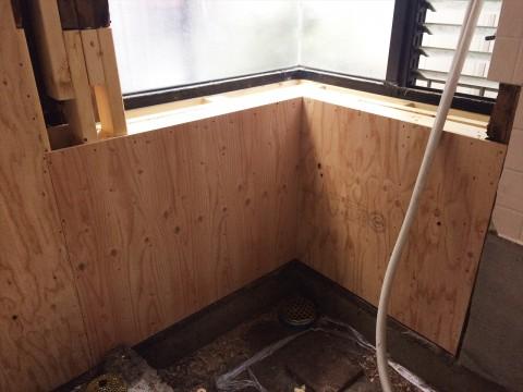 出窓下の補修
