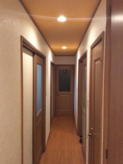 廊下玄関から奥