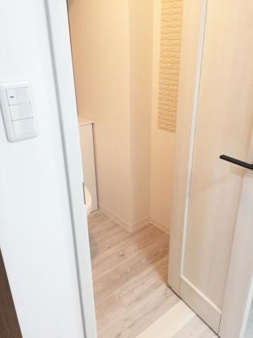 トイレ中折れドア後