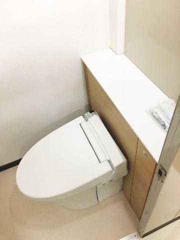 トイレ施工後02