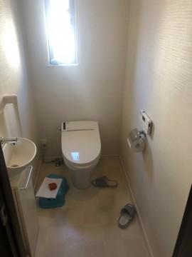 一階トイレ前fix